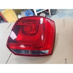 Feu arrière droit Référence : 6R0945096AH Véhicule d'origine  Volkswagen POLO 5 PH.1 1.6 TDI 16V FAP DE 2009/2017