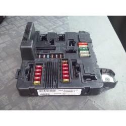 RENAULT MEGANE / SCENIC boîte à fusibles upc ref  8200306033 tester et ok