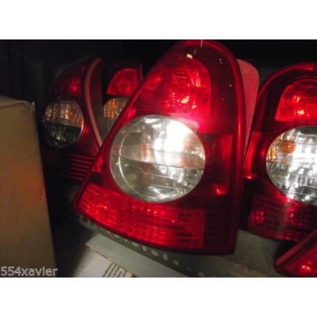 FEUX AR DROIT CLIO 2 phase 2 en parfait etat complet avec platine et lampes !