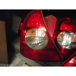FEUX AR gauche CLIO 2 phase 2 en parfait etat complet avec platine et lampes !