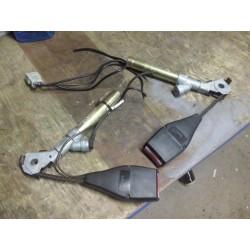 clio 2 prétensionneur de ceinture boucle avant gauche et droite parfait etat !!