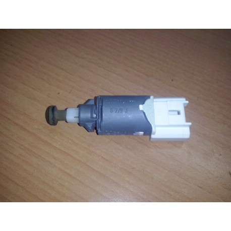 RENAULT MASTER scenic clio MOVANO NV400 2.3 frein capteur 8200168238-