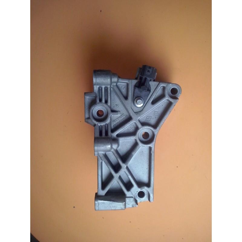 support moteur platine aluminium sur bloc renault modus clio 3 et 4 ref 8200871583. Black Bedroom Furniture Sets. Home Design Ideas
