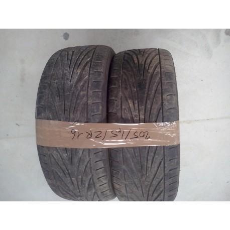 2 pneus  marques TOYO 205/45/16  ZR    10% d usure