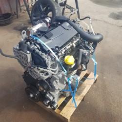 moteur trafic m9r 786 m9r786   annee 2008 119000 kilometres  vendu complet  pompe injecteur turbo