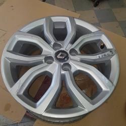 Jante aluminium  RENAULT CLIO IV Phase 2 (après Jui-2016) ref renault 403003646R  403003646r  6 1/2 x16  sparking silver