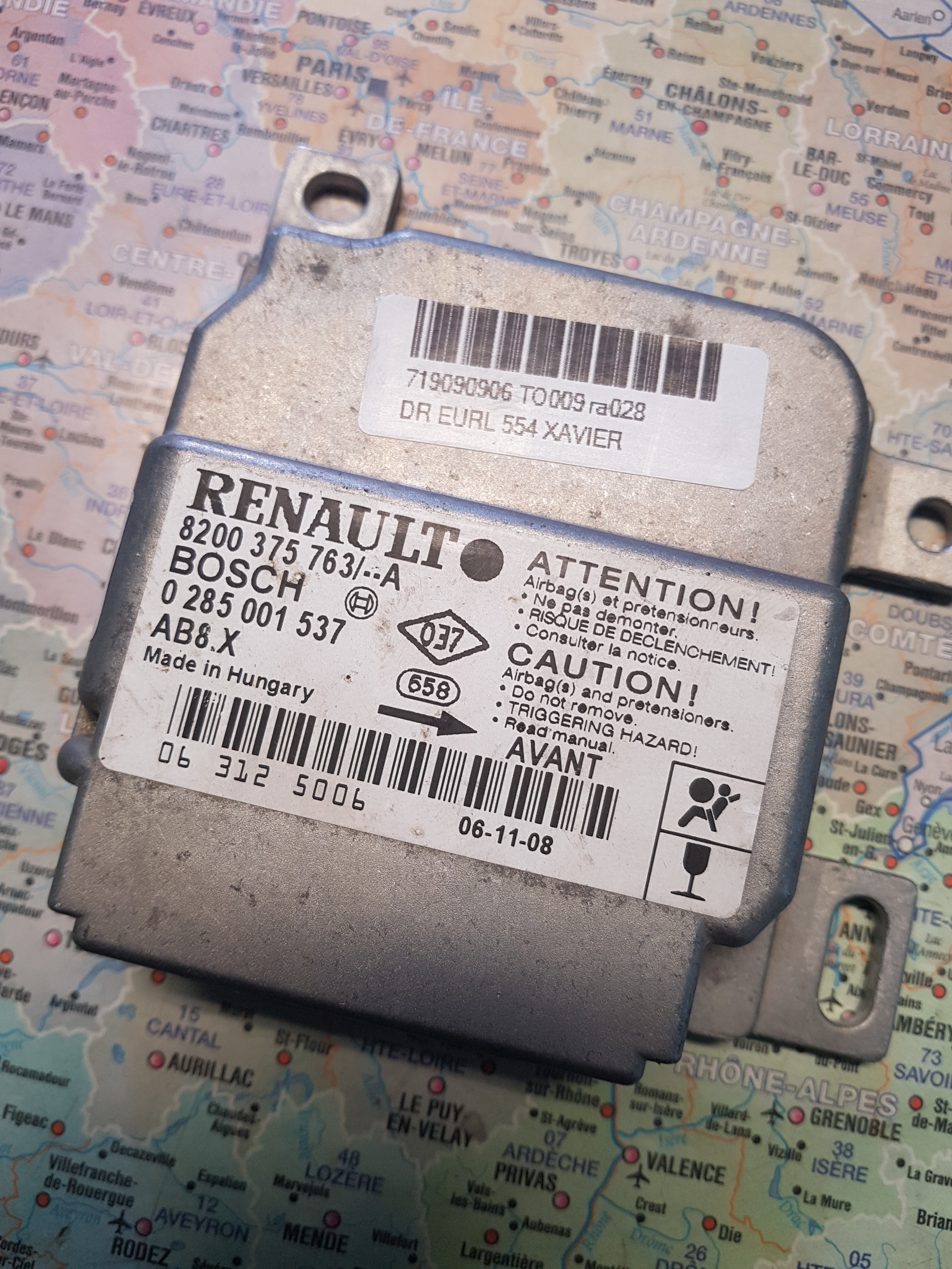 Calculateur AIRBAG VIERGE RENAULT CLIO 2 AB8.X 8200375763 0285001537